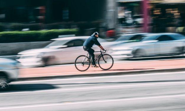 Kierowca swoje, rowerzysta swoje czyli rozmowa o bezpieczeństwie na drodze. VIDEO