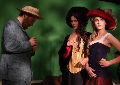 Robert Gulaczyk i dziewczęta z Moulin