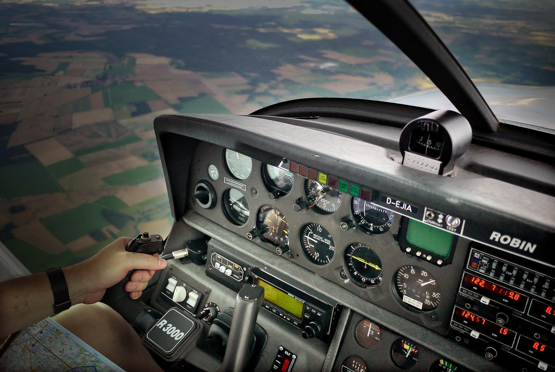Zdobycie licencji zawodowej w pilotażu samolotów – Grzegorz Brychczyński